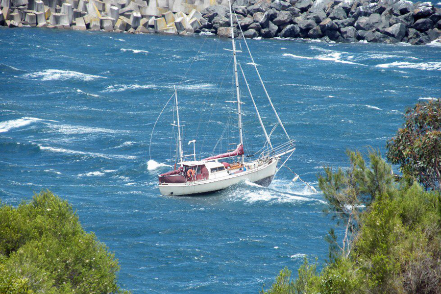 South westerly gale in Snug Cove